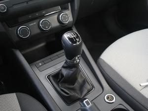 2018款经典款 1.6L 手动舒适版 变速挡杆