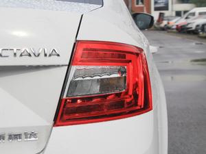 2018款经典款 1.6L 自动舒适版 尾灯