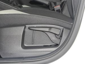 2018款经典款 1.6L 自动舒适版 座椅调节