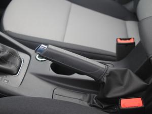 2018款经典款 1.6L 自动舒适版 驻车制动器