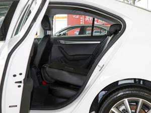 2018款230TSI 自动舒适版 后排座椅放倒