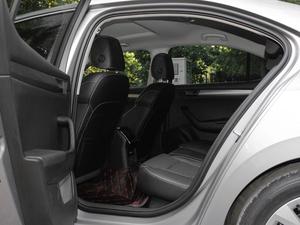 2018款330TSI DSG舒适版 后排空间
