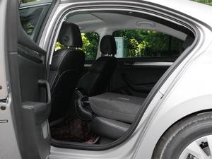 2018款330TSI DSG舒适版 后排座椅放倒