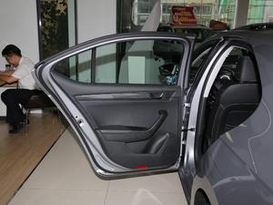 2018款330TSI DSG豪华版 后车门