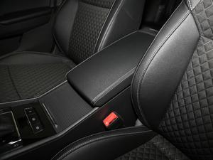 2018款280TSI DSG舒适版 前排中央扶手