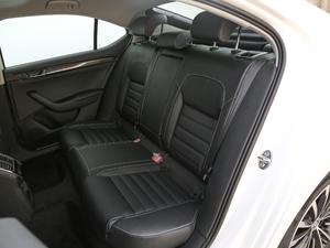 2018款330TSI DSG豪华版 国VI 后排座椅
