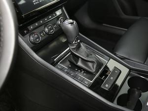 2018款330TSI DSG豪华版 国VI 变速挡杆