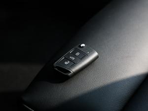 2018款330TSI DSG豪华版 国VI 钥匙