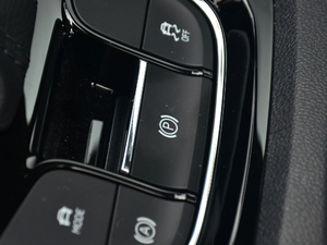 2018款TSI330 5座豪华优享版 驻车制动器