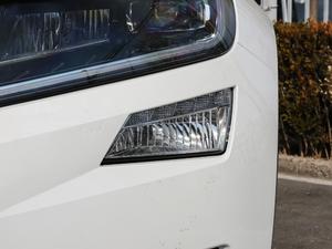2018款改款 TSI330 5座两驱豪华优享版 雾灯