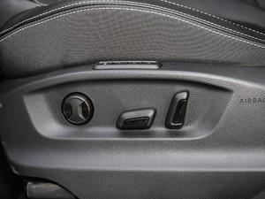 2018款改款 TSI330 5座两驱豪华优享版 座椅调节