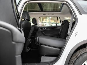 2018款改款 TSI330 5座两驱豪华优享版 后排座椅放倒