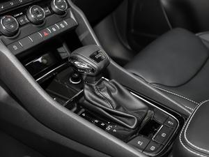 2018款改款 TSI330 5座两驱豪华优享版 变速挡杆