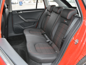 2018款230TSI 自动运动版 后排座椅