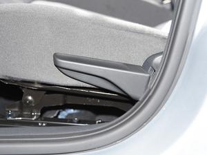 2018款1.4L 手动标准版 座椅调节