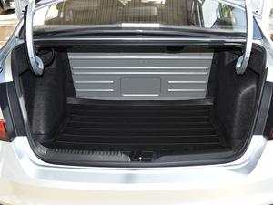 2018款1.4L 手动标准版 行李厢空间