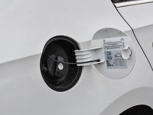 2018款1.6L 自动舒适版 油箱盖打开