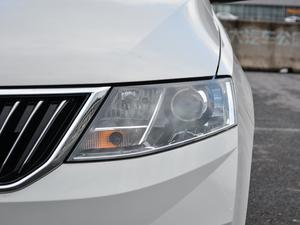 2018款1.6L 自动舒适版 头灯