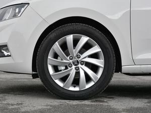 2018款1.6L 自动舒适版 轮胎