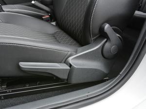 2018款1.6L 自动舒适版 座椅调节