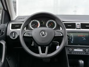 2018款1.6L 自动舒适版 方向盘
