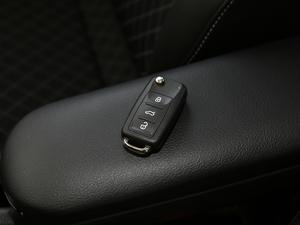 2018款1.6L 手动舒适版 钥匙