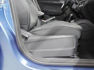 2018款1.5L 自动标准版 空间座椅