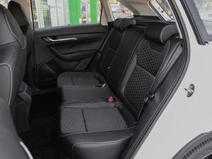 2018款1.5L 自动舒适版 后排座椅