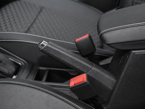 2018款1.5L 自动舒适版 驻车制动器