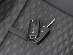 2018款1.5L 自动舒适版 钥匙