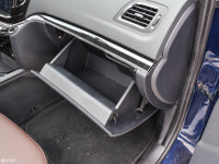 空间座椅海马S7手套箱