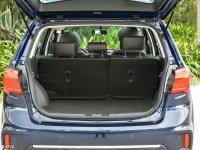 空间座椅海马S7行李厢空间