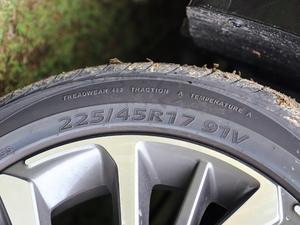 2019款1.5L CVT豪华版 轮胎尺寸