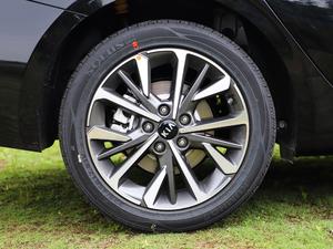 2019款1.5L CVT豪华版 轮胎