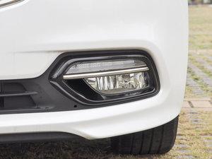 2017款1.6T 自动T-DLX 雾灯