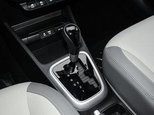 2017款1.4L 自动Deluxe 变速挡杆