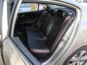 2017款1.8L DLX 后排座椅