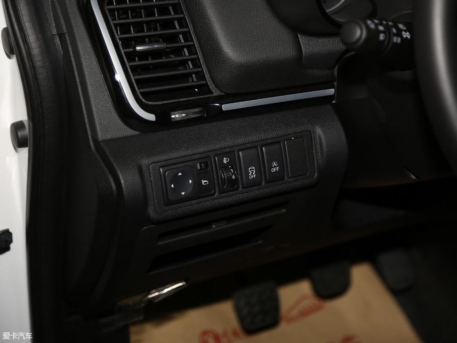 爱卡首页汽车图片东风风神三大ax52017款1.帝豪gl和艾瑞泽7风神件6图片