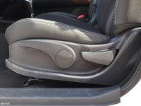 空间座椅风神AX3座椅调节