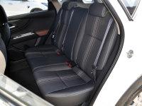 空间座椅风神AX3后排座椅