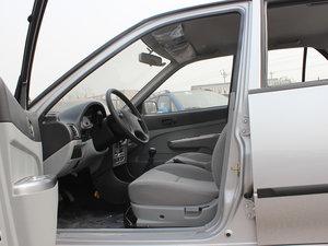 2012款1.3L 手动舒适版 前排空间