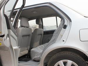 2012款1.3L 手动舒适版 后排空间