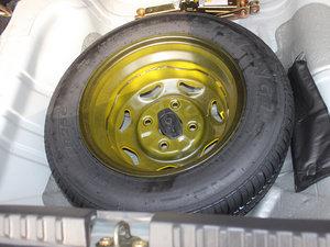 2012款1.3L 手动舒适版 备胎