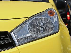2013款1.0L 手动舒适版 头灯