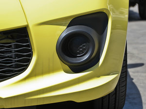 2013款1.0L 手动舒适版 雾灯