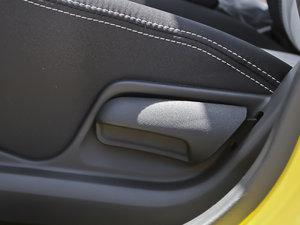 2013款1.0L 手动舒适版 座椅调节