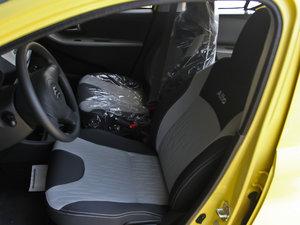 2013款1.0L 手动舒适版 前排座椅