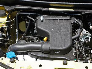 2013款1.0L 手动舒适版 发动机