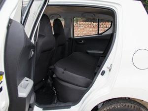 2015款1.0L 自动限定版 后排座椅放倒