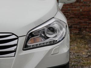 2015款1.6L 手动精英型 两驱 头灯